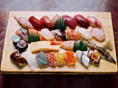 焼津金寿し・おまかせ寿司25貫 2,625円