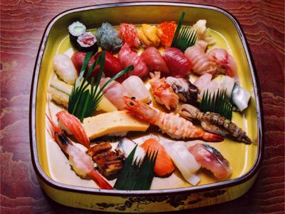 焼津金寿し・おまかせ寿司30貫 3,150円